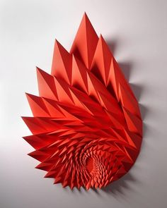 Spiked Sculptures Create Angular Geometry From Folded Paper – Paper engineer Matthew Shlian combines intricate geometric tessellations with exact folds and… Geometric Sculpture, Geometric Art, Sculpture Art, Paper Sculptures, Geometric Origami, Origami Paper Art, 3d Paper, Paper Crafts, Paper Wall Art
