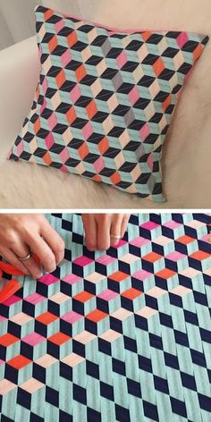 Diy Crafts - Fabric Crafts Fabric Weaving Cushion Cover by mymaki Paper Weaving, Weaving Art, Weaving Patterns, Tapestry Weaving, Quilt Patterns, Fabric Weaving, Weaving Textiles, Mollie Makes, Weaving Projects