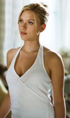 "Scarlett Johansson as Nola Rice in Woody Allen's ""Match Point"". Scarlett Johansson, Beautiful Celebrities, Beautiful Actresses, Most Beautiful Women, Simply Beautiful, Black Widow Scarlett, Black Widow Natasha, Hollywood Actresses, Actors & Actresses"