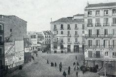 Los viejos conventos y palacios señoriales fueron sustituidos por las mansiones burguesas de los ensanches, y crecieron los barrios populares. Se hicieron sitio las estaciones del ferrocarril, los tranvías, los mercados cubiertos y los centros de administración.