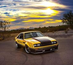 I really prefer this color choice for this Mustang classic cars Ford Mustang Gt, Ford Mustang Fox Body, Ford Shelby, Mustang Cars, Ford Fox, Mustang Fastback, Best Muscle Cars, American Muscle Cars, Pontiac Gto