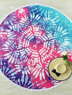 Shop Ombre Print Fringe Trim Round Beach Blanket online. SheIn offers Ombre Print Fringe Trim Round Beach Blanket & more to fit your fashionable needs.