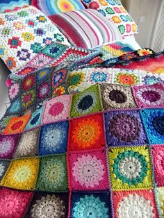 Annie's Place: Colour Therapy - the most amazing blog full of colourful crochet projects with step by step instructions ❥Teresa Restegui http://www.pinterest.com/teretegui/❥