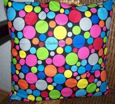 Kissen Kissenhülle Bezug Punkte Polka Dots Dot Com bunt auf schwarz Handmade