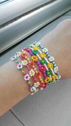Beaded flower bracelet daisy bracelets for women daisy   Etsy Kandi Bracelets, Bracelet Crafts, Seed Bead Bracelets, Seed Beads, Bead Jewellery, Beaded Jewelry, Handmade Jewelry, Handmade Wire, Handmade Bracelets