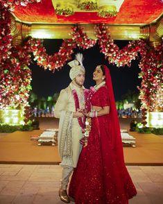 Nick Jonas, Red Wedding Lehenga, Red Lehenga, Bollywood Wedding, Bollywood Couples, Bollywood Style, Bridal Lehenga, Mandy Moore, Jodhpur