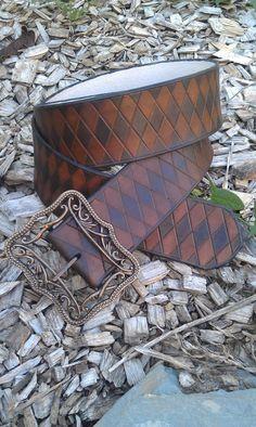 ceinture en cuir large pirate losanges qualité supérieure faite main Louis Vuitton Damier, Gucci, Shoulder Bag, Bags, Etsy, Diamond Shapes, Locs, Handbags, Shoulder Bags