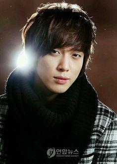 Shin Woo from You're beautiful.