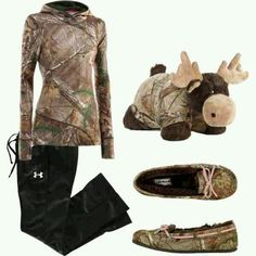 """""""Lazy day camo"""" Need an elk not a moose:) Lazy Day Outfits, Camo Outfits, Cowgirl Outfits, Cute Comfy Outfits, Western Outfits, Cowgirl Clothing, Cowgirl Fashion, Country Style Outfits, Country Girl Style"""