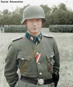 Ein Obersturmführer der Waffen-SS
