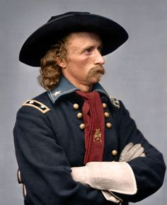 Colonel George Custer and the Cavalry are wiped out by Sioux and Cheyenne Indians led by Sitting Bull in the Battle of Little Big Horn in Montana. 5 of 7 companies were annihilated. George Custer, Cheyenne Indians, Cowboys And Indians, Native American Indians, Sioux, Wild West, Dakota Do Sul, Battle Of Little Bighorn, George Armstrong