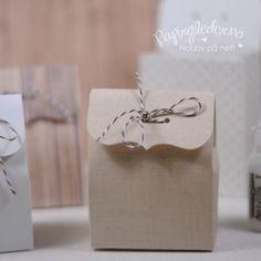 Herlige esker fra www.papirgleder.no til bryllup, dåp og konfirmasjon. Du kan få den i den fargen du vil, bare å sende dem en melding!! <3 <3 <3