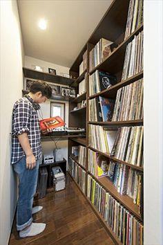 レコードの収納空間と趣味のDJブース
