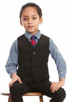 Toddler boy model , suit , boy model , @JAYDEN_GIOVANNI