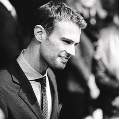Perfection, gorgeous, handsome= Theo James!!!!! IM SPEECHLESS!!!!!