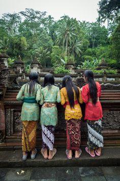 Tampak Siring Temple in Bali.Tampak Siring is one of my favourite villages in Bali Bali Lombok, Sri Lanka, Laos, Water Temple, Wanderlust, Vietnam, Beautiful Islands, Beautiful Women, Bali Travel