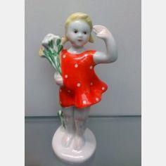 """Фарфоровая статуэтка """" Привет"""" (Девочка с цветами). ЛФЗ. Цена по запросу.,  Фарфоровые статуэтки"""