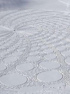 Snow Drawing | Simon Beck