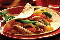 This Mexican classic adds some flavor to your table when you're eating a kidney-friendly diet. Chicken Fajitas feature exciting flavors such as cilantro, cumin and peppers all rolled into an easy-to-eat tortilla. Davita Recipes, Kidney Recipes, Mexican Food Recipes, Diet Recipes, Cooking Recipes, Healthy Recipes, Diabetic Recipes, Healthy Foods, Kidney Foods