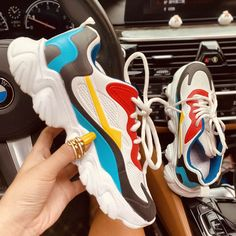 Plus Solid Color Burgundy Sneakers – insboys Colorful Sneakers, Retro Sneakers, Dress With Sneakers, Dress And Heels, Casual Sneakers, Sneakers Fashion, Fashion Shoes, Style Fashion, Sneakers Nike