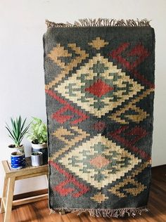 Items similar to x 8 ft, Handmade KILIM Rug, Multicolor; Chic Victorian Hipster, Custom Rugs on Etsy Jute Rug, Woven Rug, Kilim Rugs, Tapete Floral, Floral Rug, Weaving Process, Hand Weaving, Ethno Style, Rug Company
