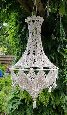 Crochet World, Diy Crochet, Crochet Lampshade, Purl Bee, Macrame Knots, Lampshades, Dream Catcher, Crafty, Christmas Ornaments