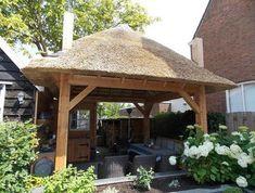 Bekijk de foto van vankooten met als titel schitterende buitenkeuken / hooiberg  www.blokhutvillage.nl en andere inspirerende plaatjes op Welke.nl.