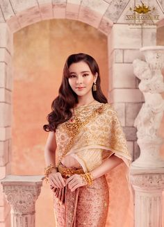 Traditional Thai wedding dresses that will make you stand out • Above Diamond® Traditional Thai Clothing, Traditional Outfits, Asian Wedding Makeup, Thailand Outfit, Thai Wedding Dress, Thai Dress, Traditional Wedding Dresses, Thai Style, Wedding Hairstyles