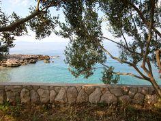 Retreat med indre ro, fordybelse og mindfulness på øen Hvar i Kroatien   20. - 27. maj 2017 - Mellem oliventræer og helt ned til det azurblå Adriaterhav på øen Hvar, skal vi på dette retreat nyde nærværet og nu'et. Stedet er en fantastisk ramme, der understøtter mindfulness'ens positive virkning på både krop og sjæl.