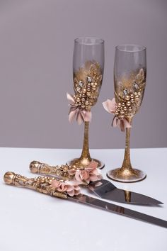 Items similar to Personalized Wedding glasses and Cake Server Set cake cutter beach wedding toasting flutes gold wedding flutes and cake wedding set of 4 on Etsy Bride And Groom Glasses, Wedding Wine Glasses, Wedding Champagne Flutes, Champagne Glasses, Wedding Cake Server, Cake Wedding, Gold Wedding, Unique Wedding Colors, Wedding Unity Candles