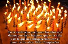 Imágenes Con Frases De Feliz Cumpleaños Para Una persona Hermosa Getting Old, Knowing You, Happy Birthday, Funny Birthday, Funny Pictures, Funny Quotes, Candles, Celebrations, Baby Shower