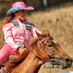 That look when you're not sure your gonna turn that barrel. Barrel Racing Quotes, Barrel Racing Tips, Barrel Racing Horses, Barrel Horse, Horse Training Tips, Horse Tips, Cute Baby Turtles, Inspirational Horse Quotes, Fallon Taylor