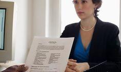 ¿Qué hace que un reclutador rechace tu CV en segundos? Cualquiera de estos siete errores pueden hacer que el reclutador te deseche como un candidato ideal; errores de ortografía y escribir demasiado son algunas cosas que debes exitar a toda costa.