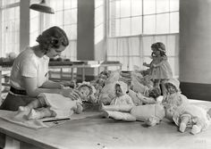 Shorpy Historic Picture Archive :: The Doll Dresser: 1936 high-resolution photo