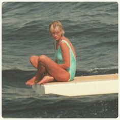 """No privacy: Princess Diana gives an angry look to a group of paparazzi photographers, who camped in a small boat in front Al Fayed's yacht in the French reviera ☆"