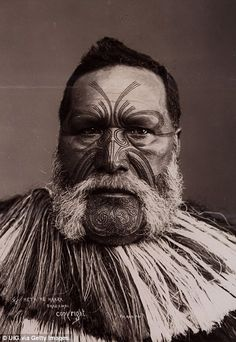 Maori face and body tattoos called Moko describe families and ...