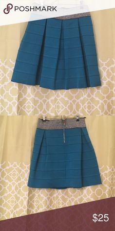 Teal structured mini, with silver waistband. L Teal structured mini, with silver waistband. Miami brand. Large. Only worn once. Miami Skirts Mini