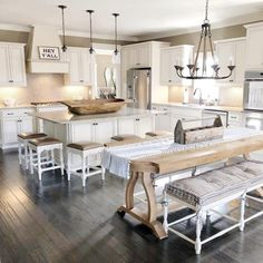 Are you searching for images for farmhouse kitchen? Browse around this site for amazing farmhouse kitchen ideas. This unique farmhouse kitchen ideas will look absolutely brilliant. Modern Farmhouse Kitchens, Black Kitchens, Home Kitchens, Kitchen Modern, Eclectic Kitchen, Remodeled Kitchens, Farmhouse Sinks, Antique Farmhouse, Small Kitchens