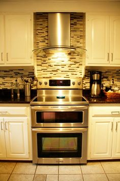 My top choice for electric double oven range. I Like the backsplash!