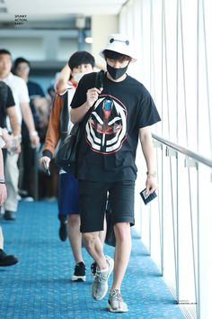 150818: EXO Park Chanyeol; Hongkong Airport to Incheon Airport #exok #fashion #style #kfashion #kstyle #kpop