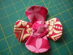 Pap: flor de fuxico dobrada   Aprender manualidades es facilisimo.com