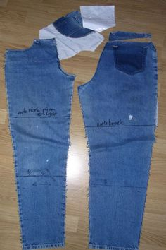 Easy 10 tips are available on our site. Diy Jeans, Recycle Jeans, Sewing Clothes, Diy Clothes, Sewing Hacks, Sewing Tutorials, Sewing Tips, Clothing Patterns, Sewing Patterns
