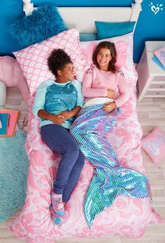 Mermaid shine and magical must-haves to get the sleepover party started. Tween Girls, Diy For Girls, Construction For Kids, Cosy Outfit, Unicorn Fashion, Gymnastics Outfits, Rainbow Room, Justice Clothing, Ader
