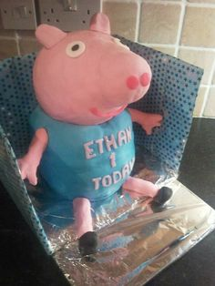 George pig from peppa pig birthday cake