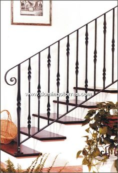 2019 Baranda hierro forjado                                                                                                                                                      Más Wrought Iron Stair Railing, Staircase Handrail, White Staircase, Flooring For Stairs, Balcony Railing, Railing Design, House Stairs, Stairways, Google