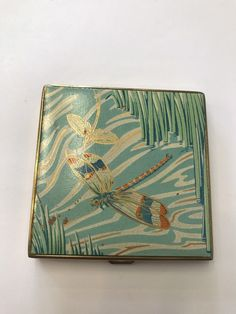 LOVELY ENAMELLED 1940's COMPACT DECORATED WITH DRAGONFLIES | Collectables, Vanity, Perfume & Grooming, Cosmetic Compacts | eBay!