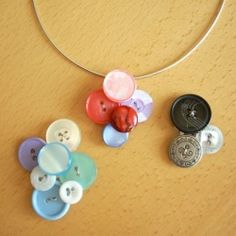 These necklaces are amazing there funky and easy to make!!