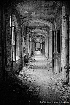 Passage on the ground floor