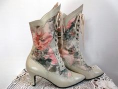 Victorian Steampunk Boots Size 8 Leather/Fabric Panels Vintage 1980s New Deadstock Steampunk Shoes, Steampunk Accessories, Steampunk Fashion, Victorian Shoes, Victorian Steampunk, Vintage Boots, Vintage Outfits, Vintage Dress, 1900 Clothing