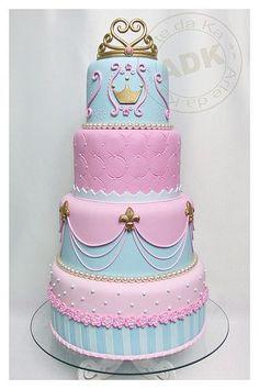 Ok, esse é um top 10 dos bolos mais bonitos que eu já vi, quando encontrar mais imagens que me inspire, faço mais post como esse! Esses b...